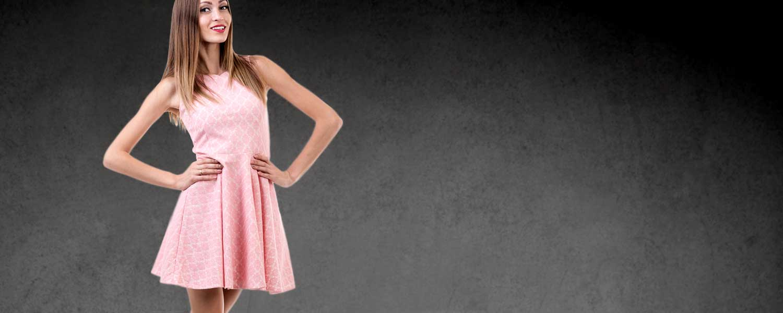 Élégante en robe